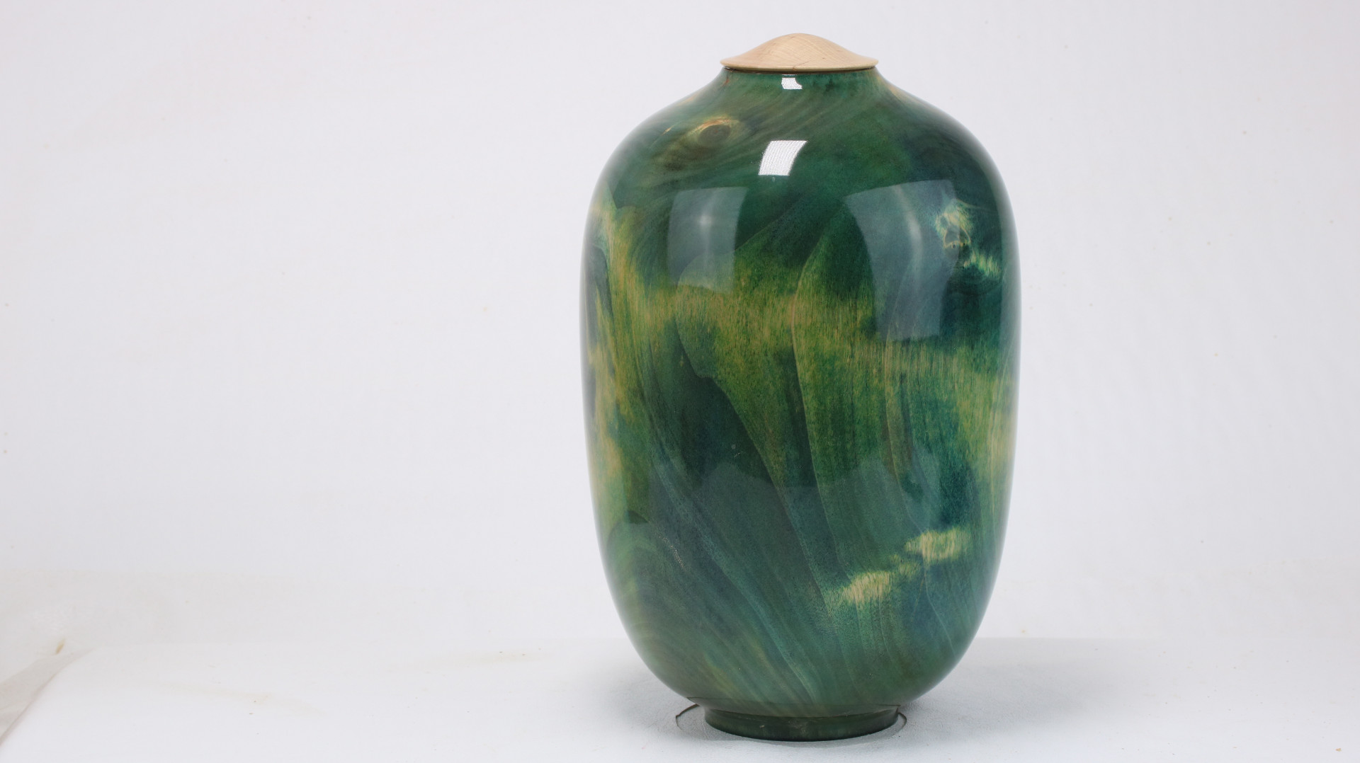 Coloured Maple Crotch Single Urn